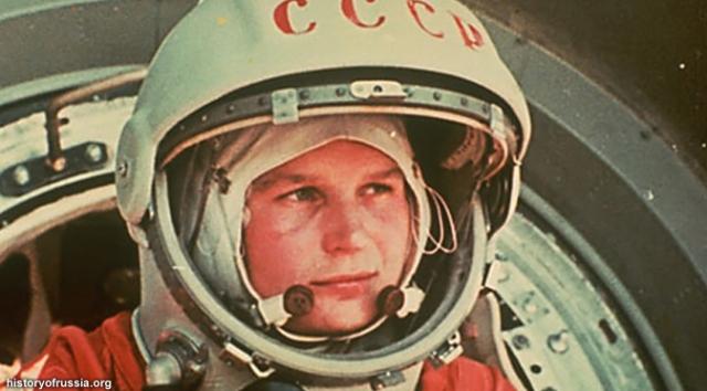 wanitapertama-astronot
