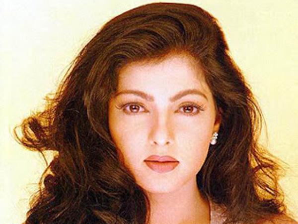 Aktris HOT Bollywood Mamta Kulkarni Masuk Islam
