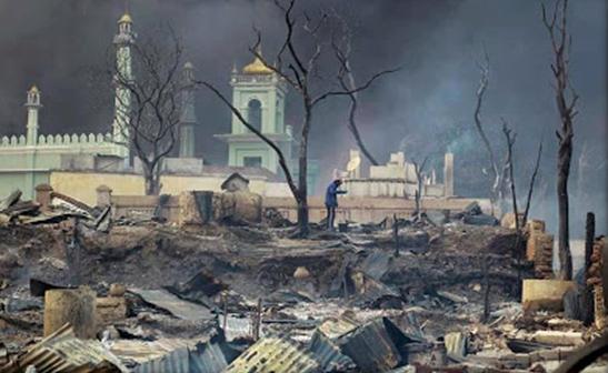 perkampungan-muslim-dibakar-2